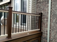 ROPESWING RAILING WITH VINTAGE LANTERN POSTS