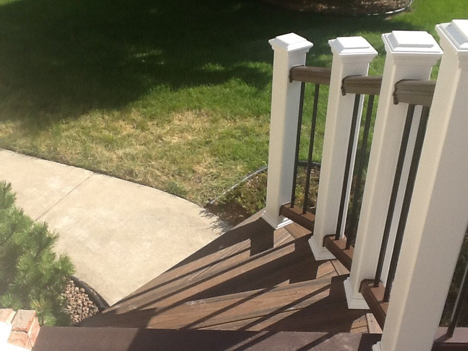 TREX TRANSCEND RAILING WITH CURVE
