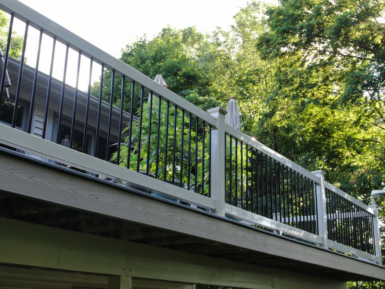 Trex-Basics-decking-and-fascia-Vinyl-rails